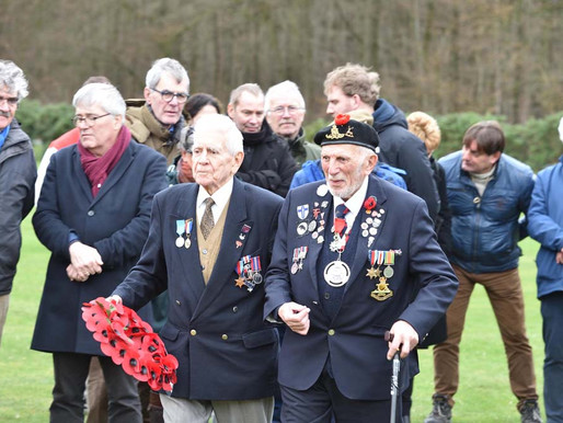 Taxi Charity takes veterans to Gennep for commemoration services