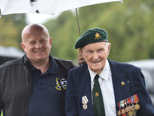 Veterans and volunteer cabbies enjoy VJ Day 75th anniversary event at Danny House