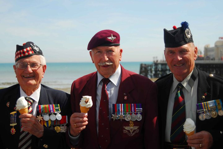 Seventieth annual day trip to Worthing for WWII veterans