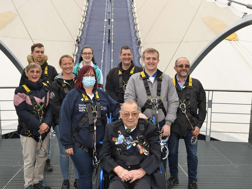 Veteran celebrates his 100th birthday by climbing over the O2