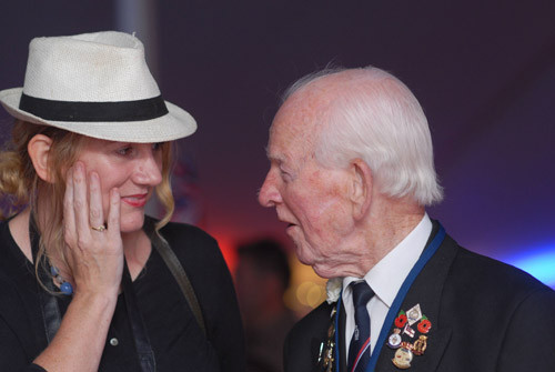 Guest Blog: All singing, all dancing WW2 veterans delight the public at the Chalke Valley History Fe