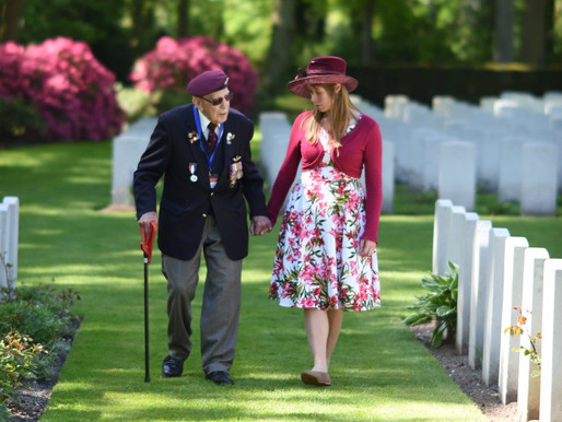 Taxi Charity to escort veterans to the Netherlands for Airborne Wandeltocht 2019