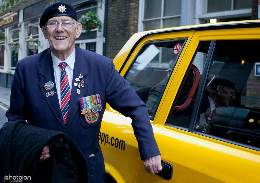 Second_World_War_veterans_black_cab.jpg