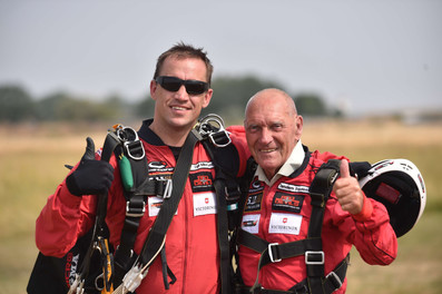 Bill Parr (85) skydives for Taxi Charity