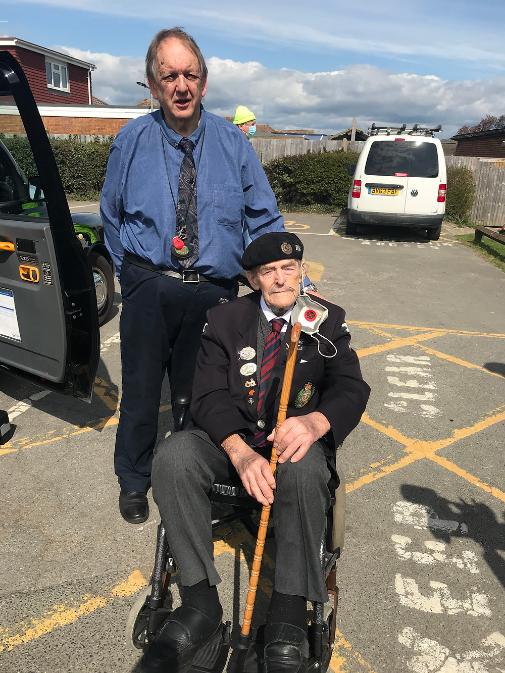 Volunteer Mike Hughes with Major Ted Hunt