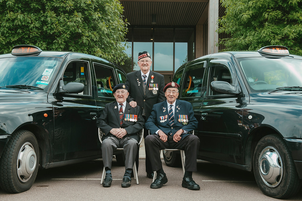 Doug Baldwin (centre) proudly wearing his Légion d'Honneur