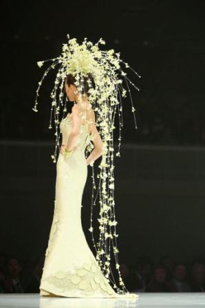 桂由美ブライダル天蚕ドレス
