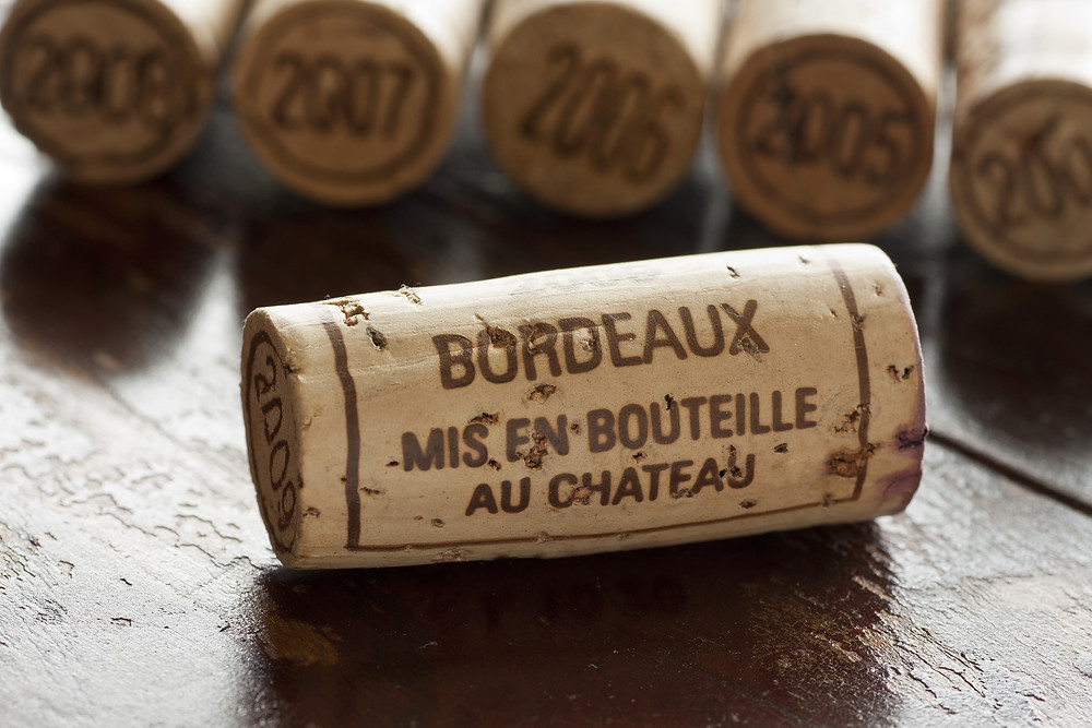 A picture of a wine cork.
