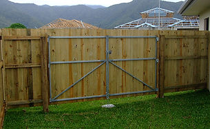 Timber Side Gate | AAA Landscaping & Property Maintenance Cairns - Earlville - Gordonvale - Edge Hill - Trinity Beach - Palm Cove - Smithfield - Redlynch | Fencing & Gates