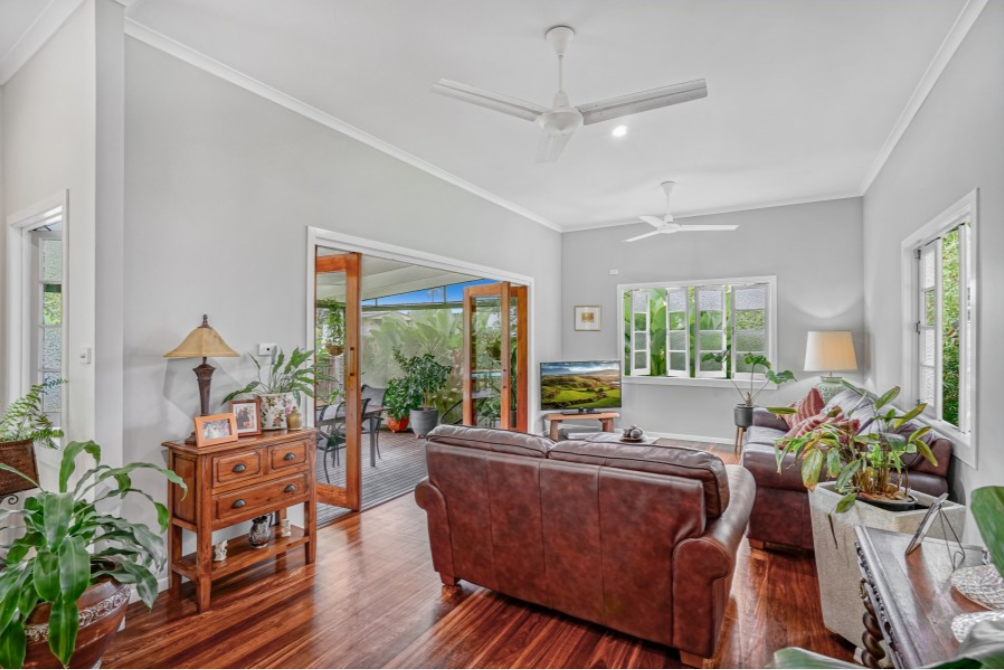 10 Crowther Street Whitfield OBrien Real Estate Cairns & Beaches Daniel Arnott Monique Cruse