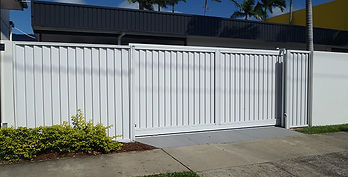 Automatic Gate | AAA Landscaping & Property Maintenance Cairns - Earlville - Gordonvale - Edge Hill - Trinity Beach - Palm Cove - Smithfield - Redlynch | Fencing & Gates