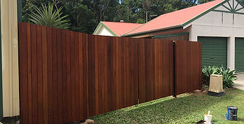 Hardwood Timber Fence | AAA Landscaping & Property Maintenance Cairns - Earlville - Gordonvale - Edge Hill - Trinity Beach - Palm Cove - Smithfield - Redlynch | Fencing & Gates