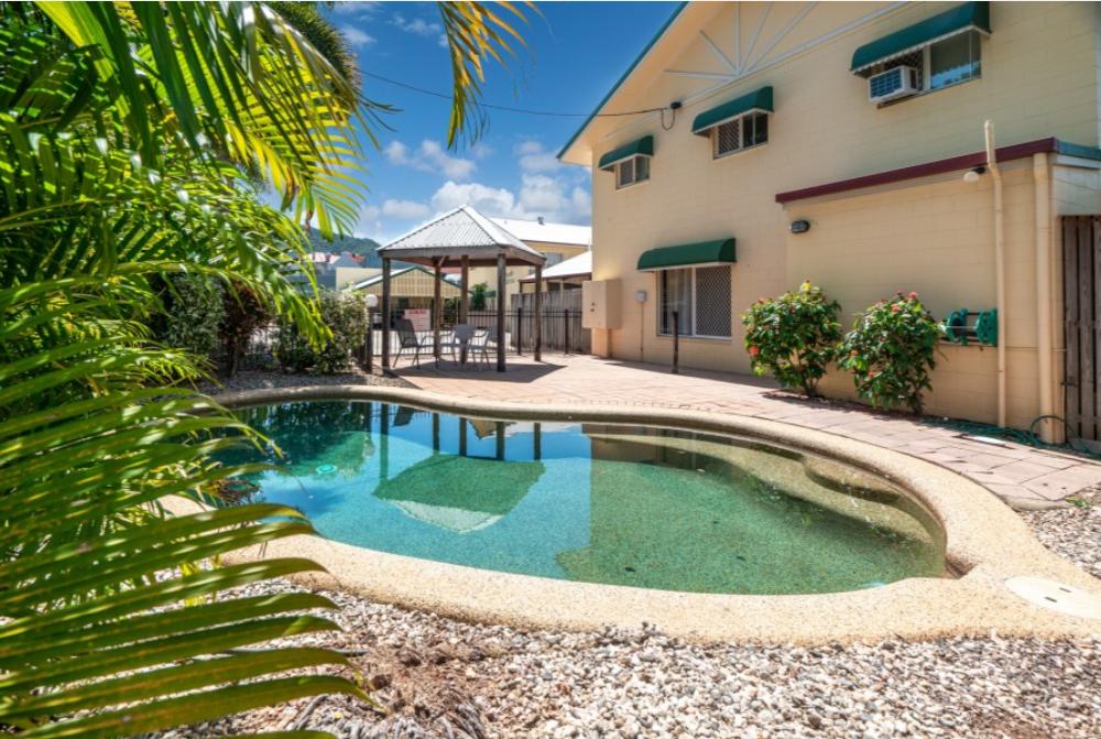 2/3-5 Tenni Street Redlynch OBrien Real Estate Cairns & Beaches Daniel Arnott Monique Cruse