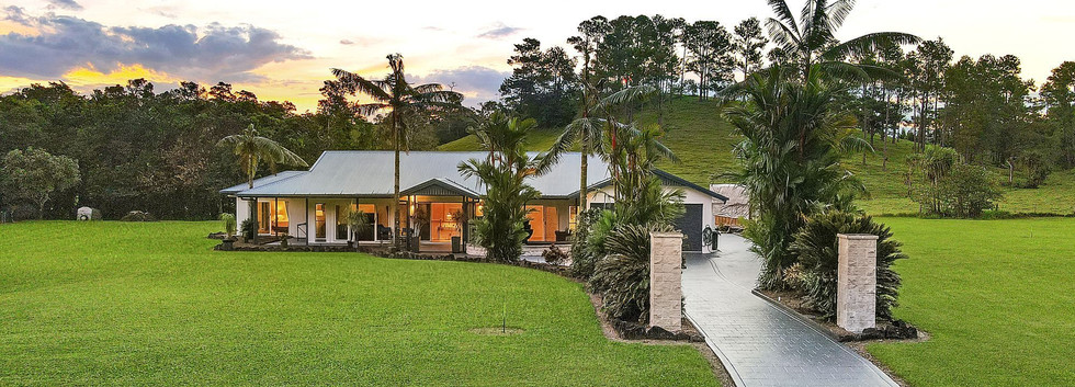 19 Rainforest Drive Jubilee Heights OBrien Real Estate Cairns & Beaches Daniel Arnott Monique Cruse