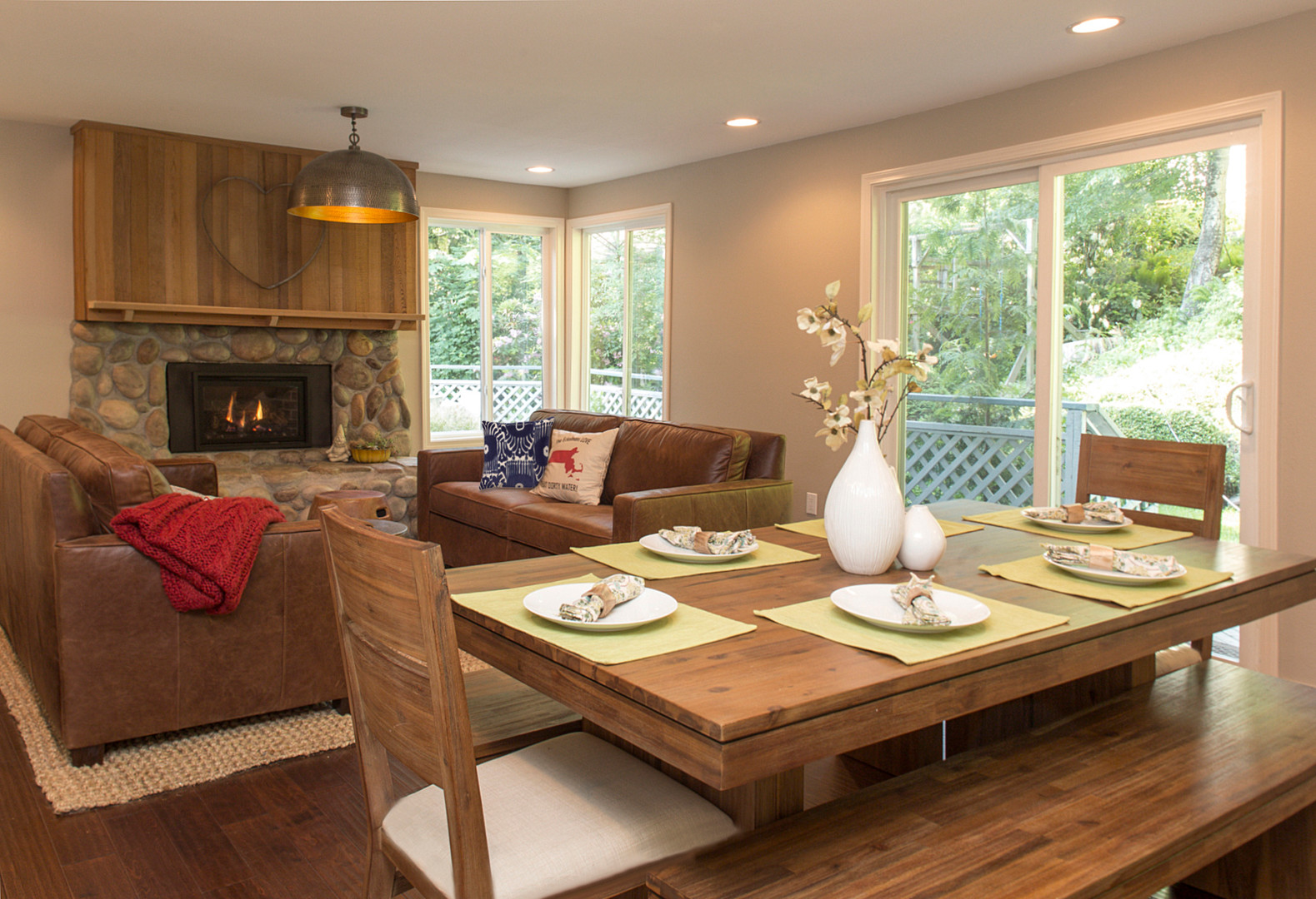 The adjoining family room with eat in kitchen means everyone can be comfortable.