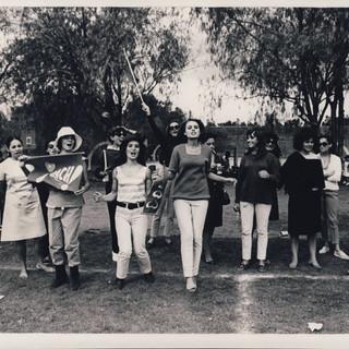 Pincel & Fibra Soccer Cheerleaders, 1967-68