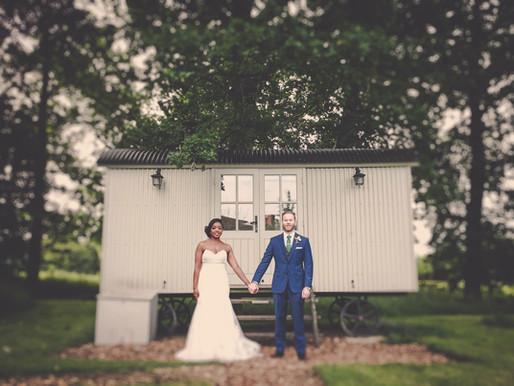 Essex Wedding Photographer : The Cart Shed Wedding