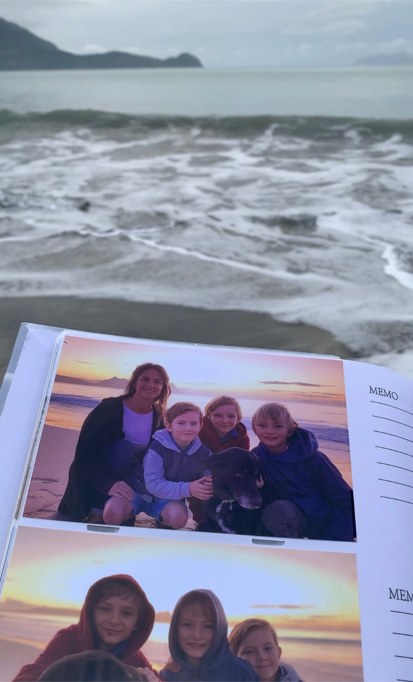 Photo album by the pontoon at high tide