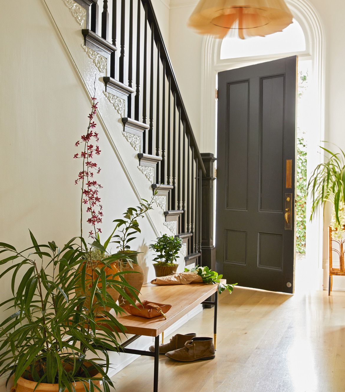 AT HOME WITH PLANTS, BAYLOR CHAPMAN Of LILA B DESIGN