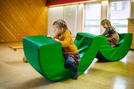 Unsere Turnhalle lässt viel Raum für Spiel und Spaß zu.