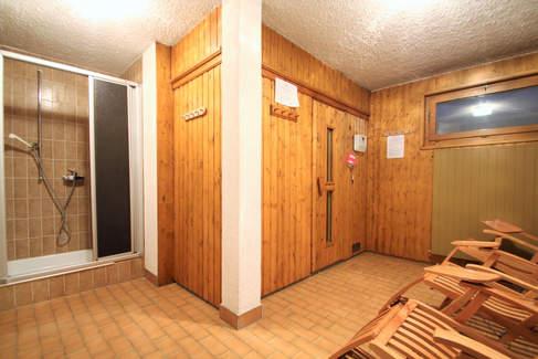sauna et douche.jpg