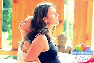 MMM en duo yoga.JPG