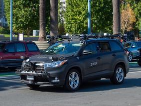 Amazon mua công ty xe tự lái Zoox, cạnh tranh với Tesla