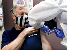 CDC chuẩn bị phân phối vaccine cho dân Mỹ từ 1/11