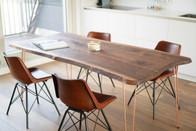 Nussbaum Esstisch mit Kupfer Hairpin Legs