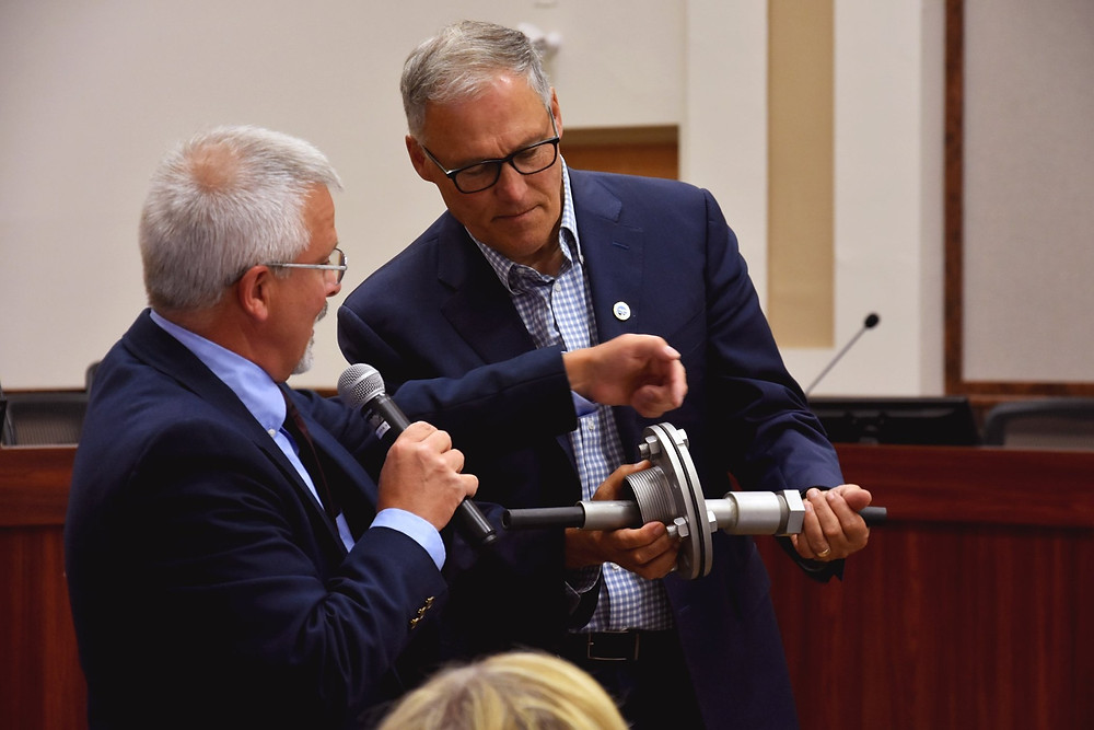 Governor Inslee inspecting an Atlantis Hydrotec PFM Fitting