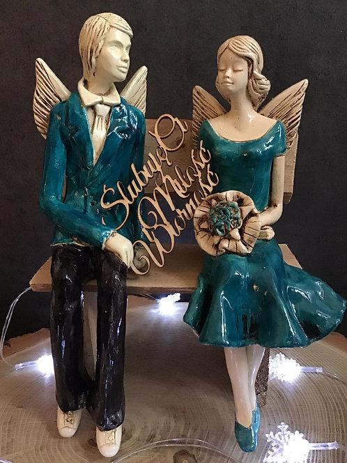 Anioły Młoda Para - rękodzieło - kolor turkusowy na ławce
