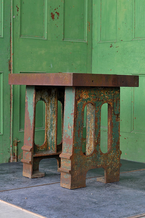 Cast Iron Surfacing Table