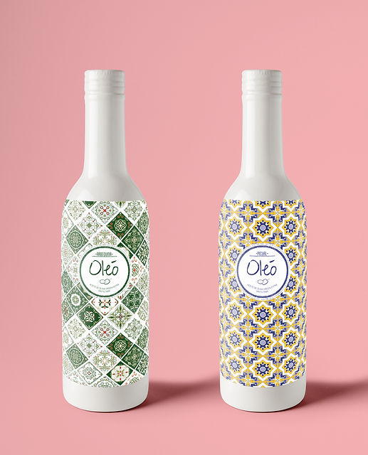 Ceramic-Bottle-PSD-MockUp.jpg