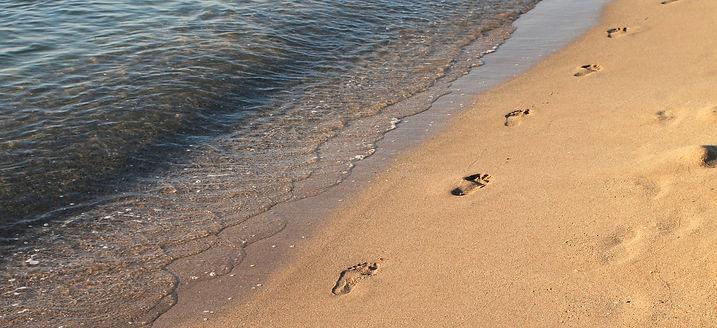 beach-88461_1920.jpg
