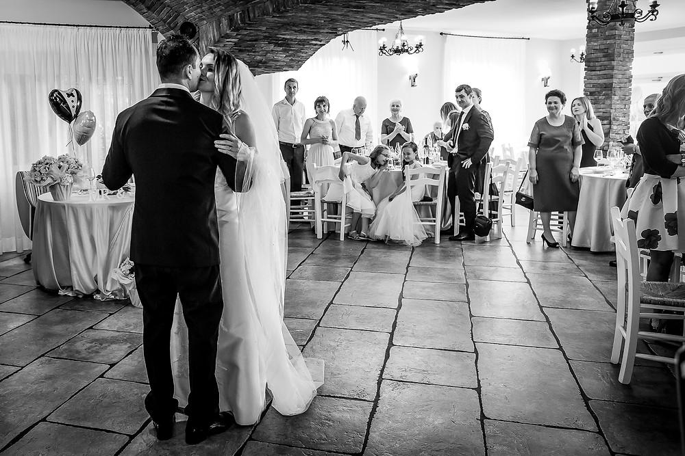 primo ballo sposi fotografia bianco e nero