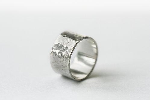 Екатерина Толстая ювелир, Ekaterina Tolstaya Jewelry, широкое плоское кольцо, битое кольцо серебро 925 пробы, каталог колец