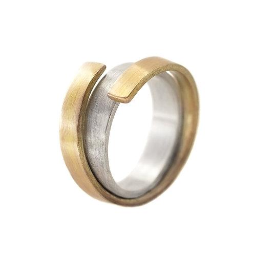 Кольцо серебряное Сторге Екатерина Толстая, серебро с латунью сочетание, дизайнерские украшения, серебро и золото, простое
