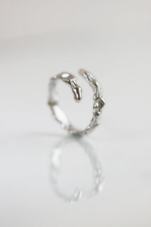 Безразмерное кольцо интересной формы, серебро 925 пробы, серебряное кольцо, дизайнер ювелир Екатерина Толстая, ручная работа