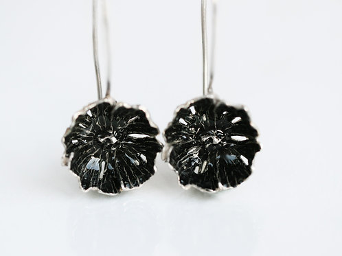 Серьги-цветы черные, серьги висюльки, серьги застежка-петля, ювелир Екатерина Толстая, крупные серьги висячие