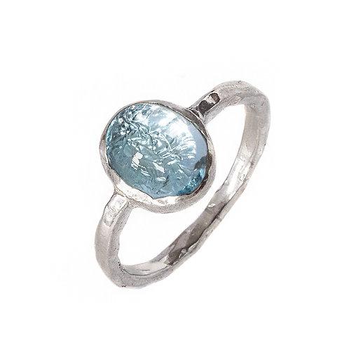 Битое кольцо с топазом, серебро