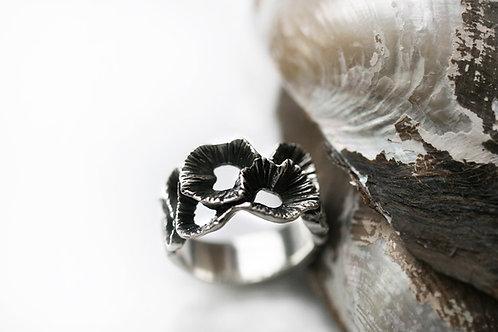 резное кольцо, серебро с чернением, ювелир Екатерина Толстая, серебро 925 пробы, украшения ручной работы, купить СПб онлайн