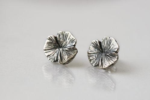 Серьги клевер трехлистник, серьги пусеты серебро 925, серьги гвоздики круглые, серьги цветы ручная работа, серьги без камней