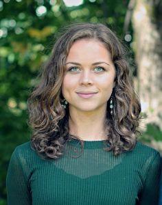 VIL VITE MER: Live Skow Hofgaard, leder i Psykologistudenter Uten Grenser Oslo, vil vite mer om hvordan minoritetsstudenter har det ved UiO. (Foto:Privat)