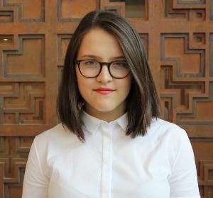 VIL VITE MER: Kristina Munoz Ledo Klakegg, Internasjonalt ansvarlig i Studentparlamentet vil vite mer om hvordan minoritetsstudenter har det på UiO. Foto: Studentparlamentet, UiO