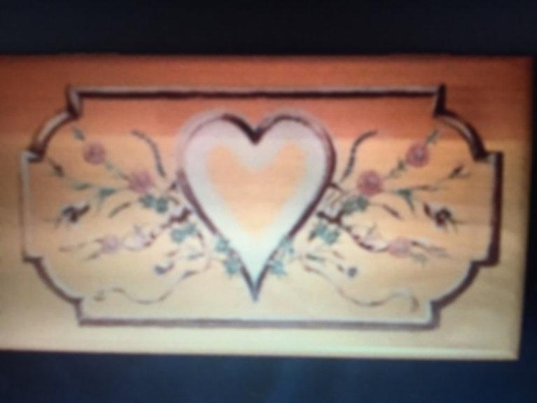 Lane cedar box heart