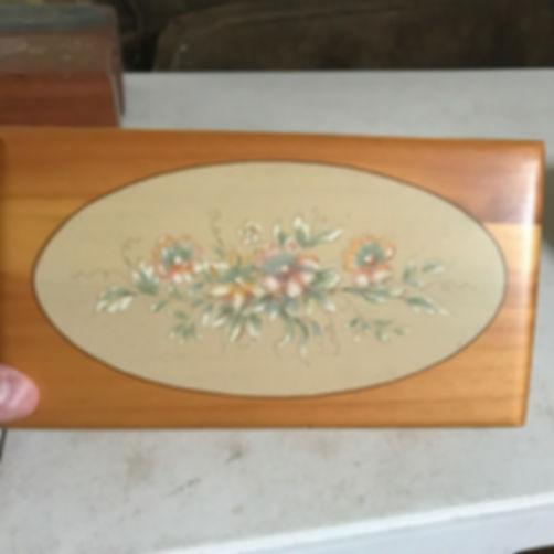 Lane cedar box