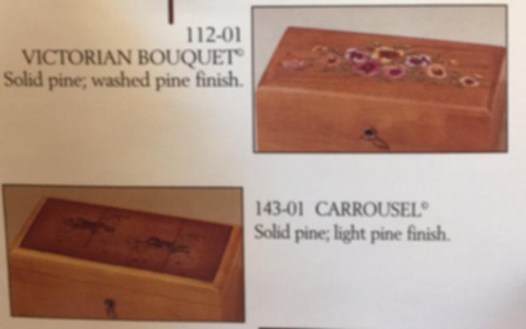 Lane cedar box - Victorian Bouquet