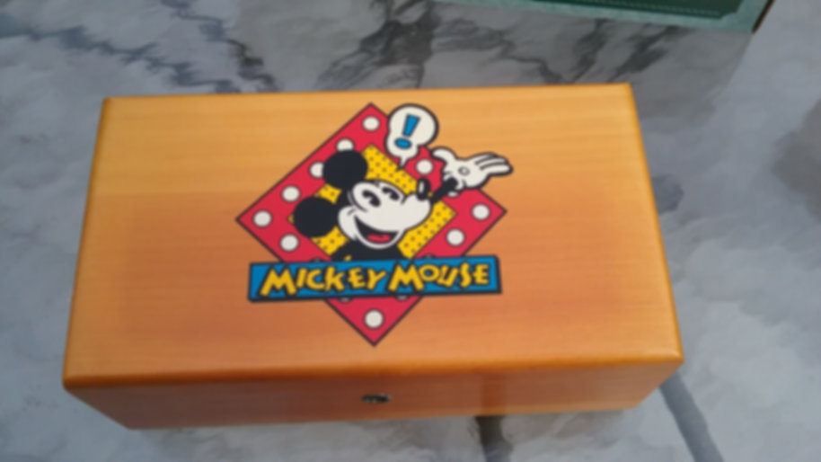 Lane cedar box - Disney