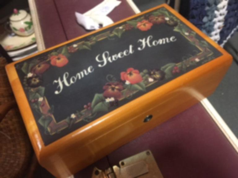 Lane cedar box Home Sweet Home Wyatt