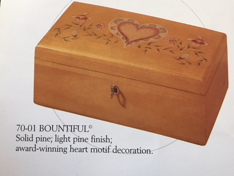 Lane cedar box - Heart